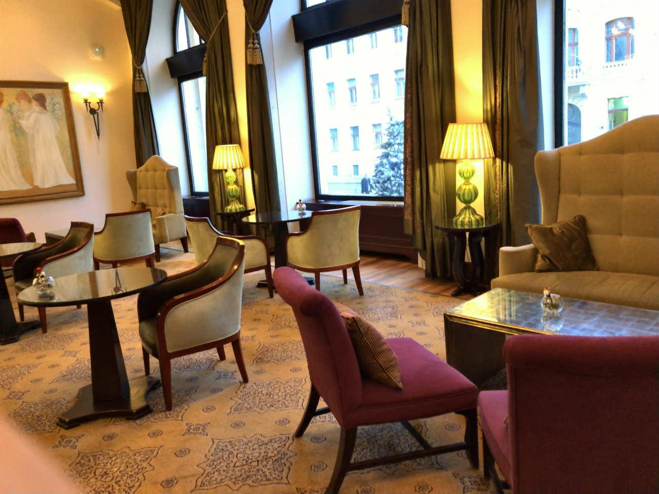 ホテル エスプレナーデのロビー