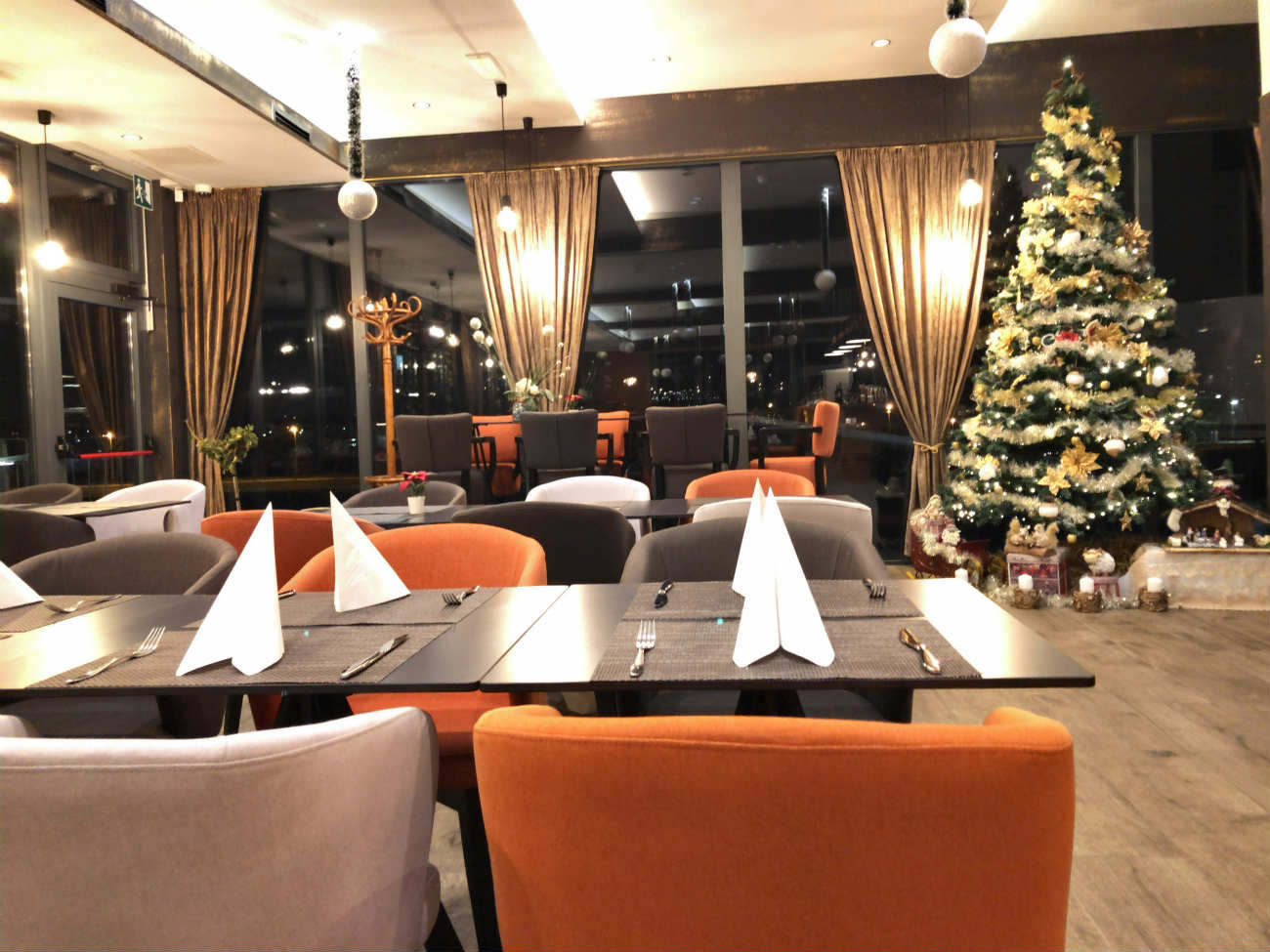 HOTEL TIME内のレストラン