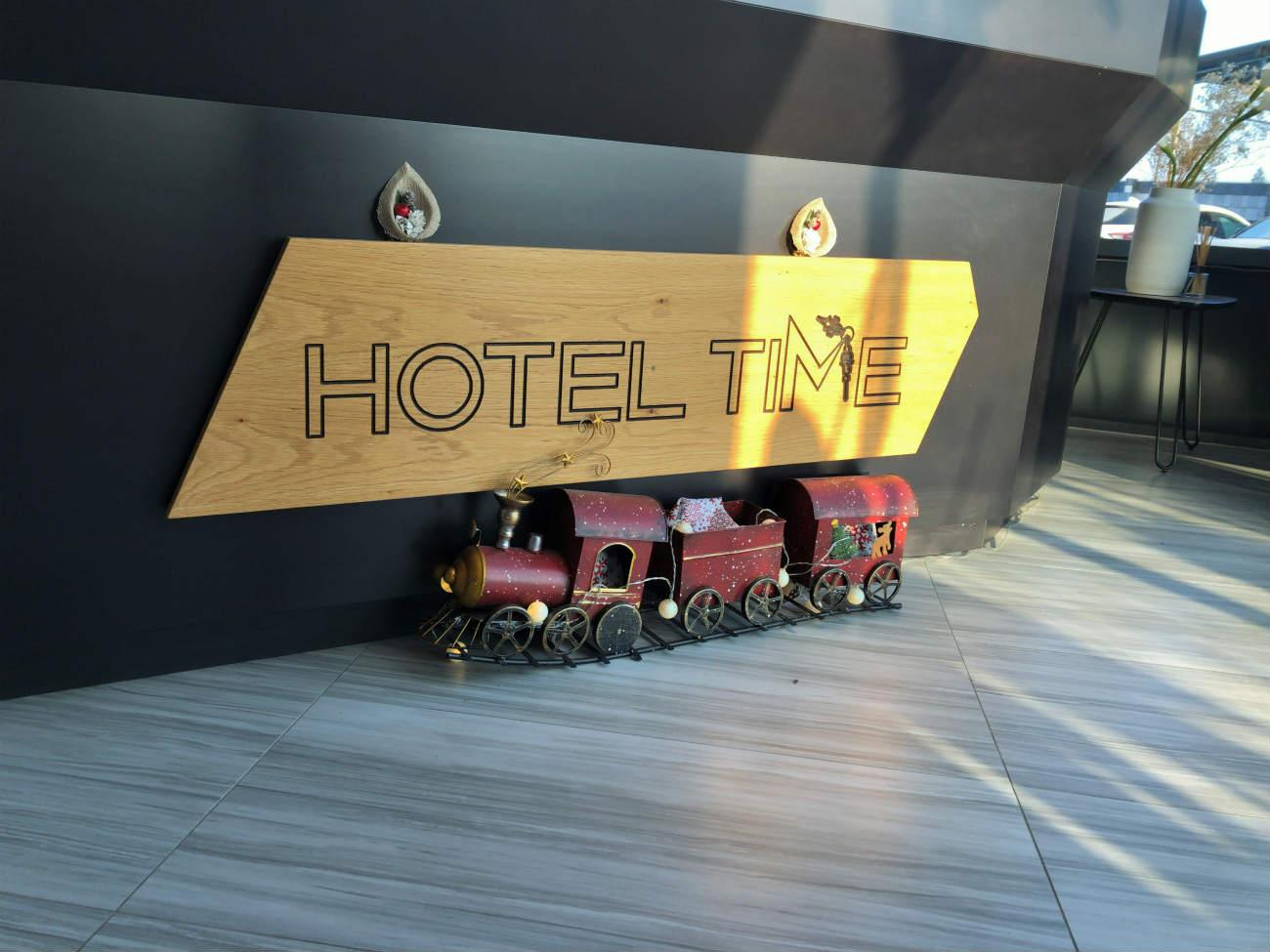 HOTEL TIMEのレセプション